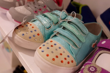 dyosathemomma: Fisher-Price Shoes!
