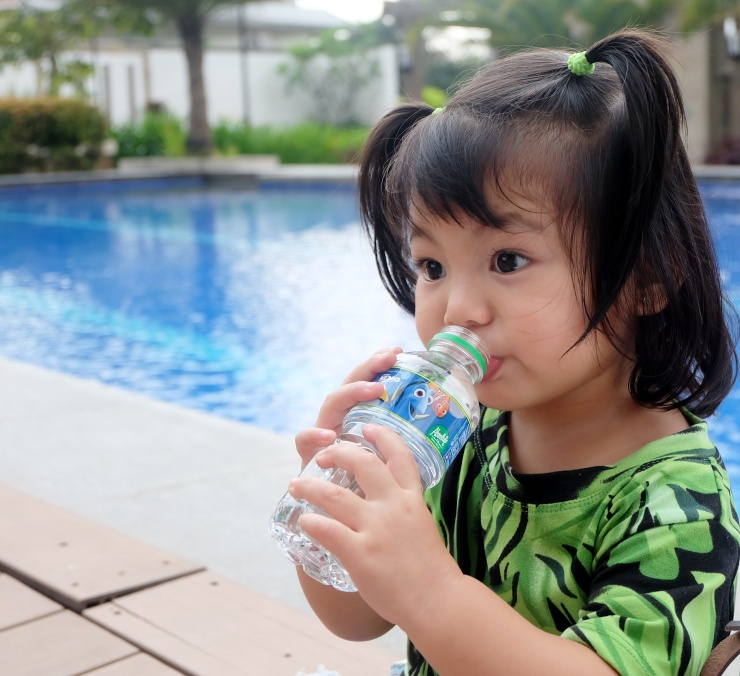 dyosathemomma: Why kids should drink more water- Absolute Distilled Drinking Water Disney edition