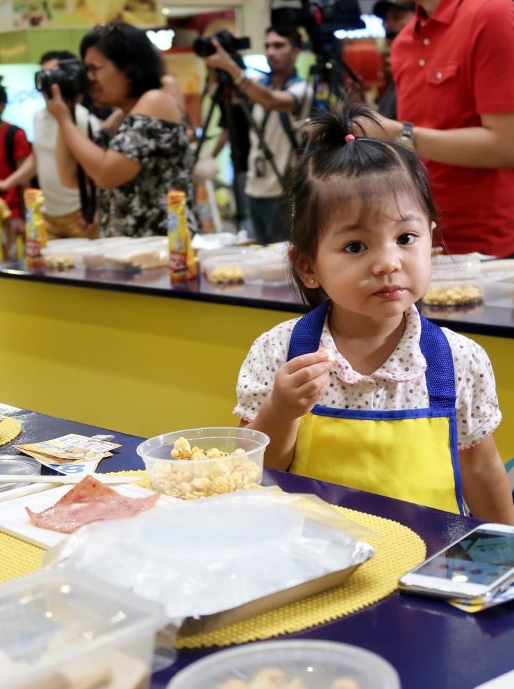 dyosathemomma: Cheez Whiz #Cheeseventions creative snacks for kids, AmniszhaGirl