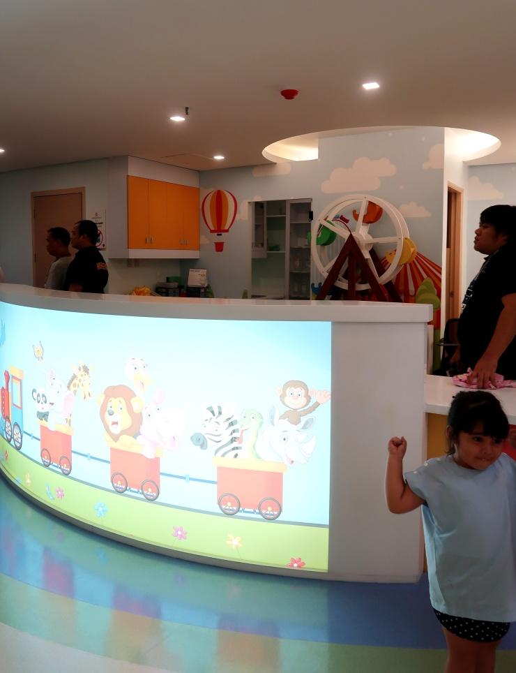 dyosathemomma: World Citi Med Pediatrics Floor