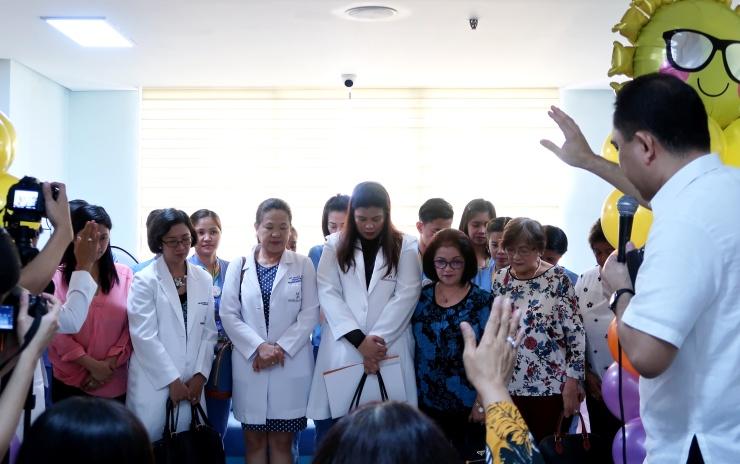dyosathemomma: World Citi Med Pediatrics Floor, pedia doctors