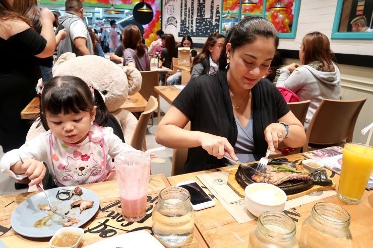 dyosathemomma: Chubs Chasers restaurant in SM North EDSA, Food Circuit The Block, AmariaNish