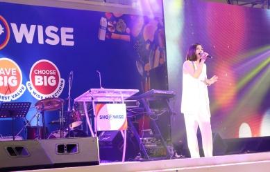 dyosathemomma: Shopwise Circuit Makati grand opening, Kyla
